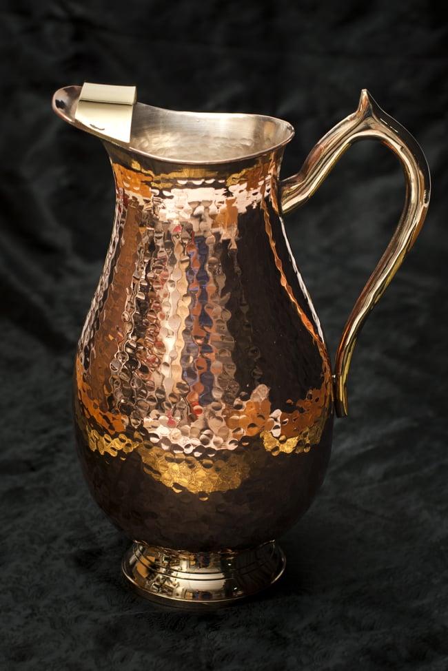 槌目付き 銅装飾の水差し - deluxeの写真