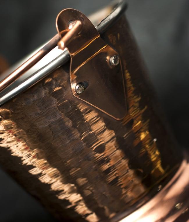 槌目付き 銅装飾のアイスペールの写真4 - 側面の様子です。