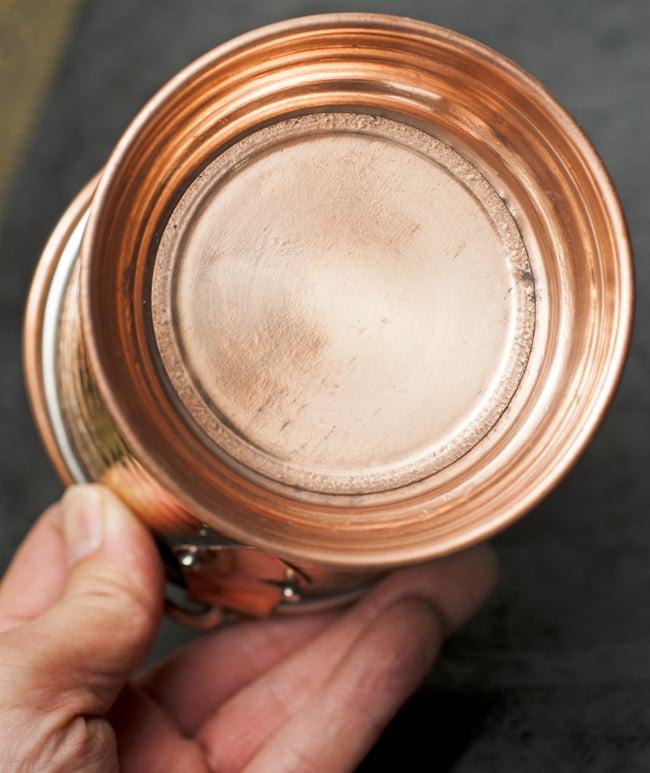 槌目付き 銅装飾のアイスペールの写真6 - 底面はこのようになっています。