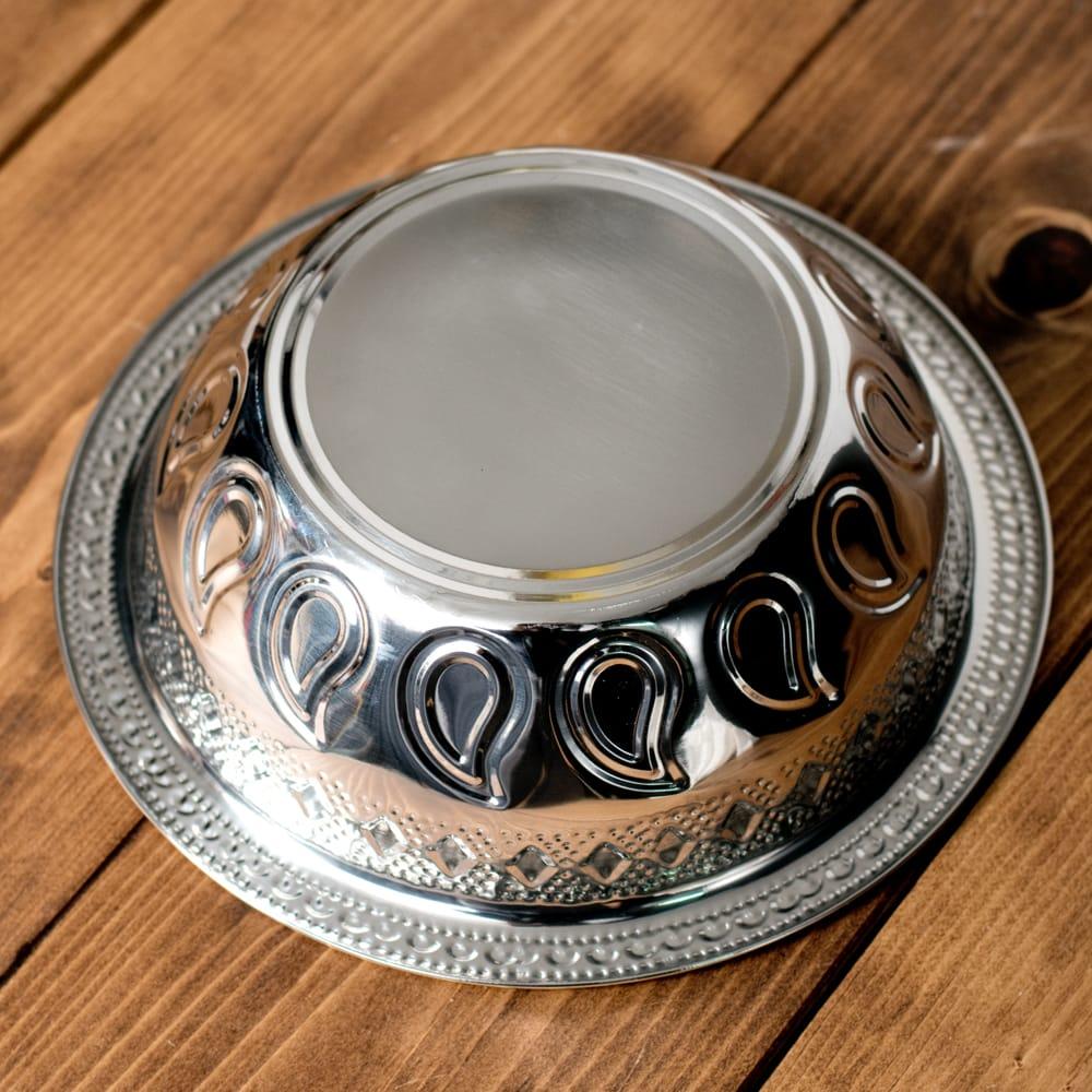 ペイズリーエンボスのアルミ皿【直径:21.5cm】 5 - 裏面を見てみました。