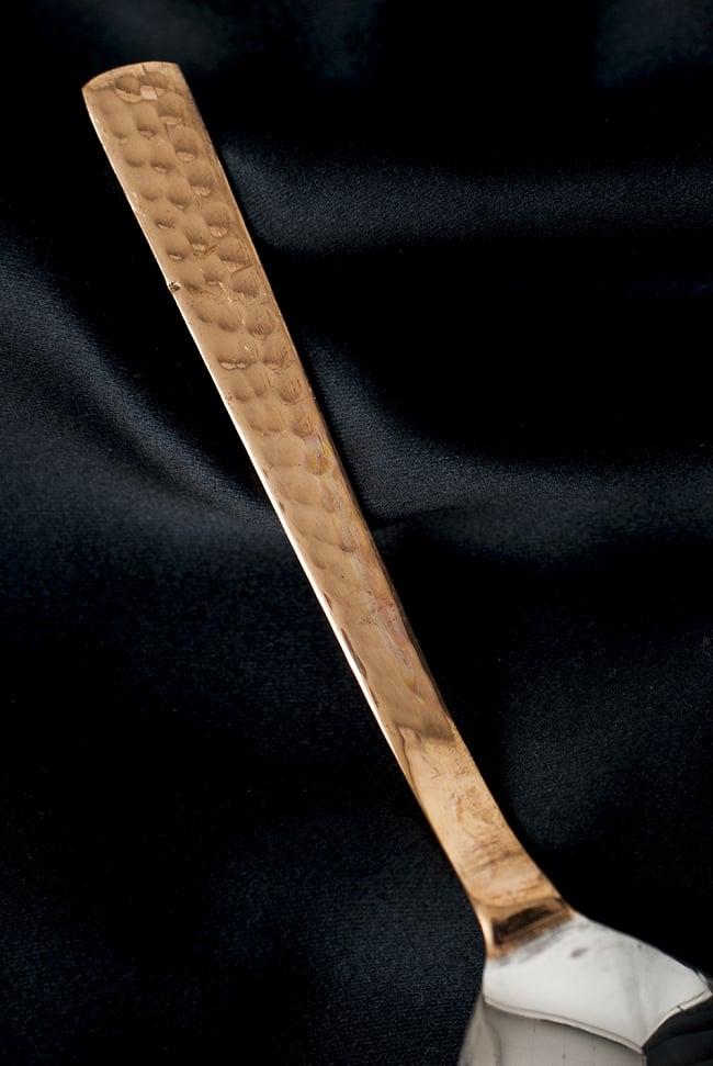 銅装飾槌目仕上げティースプーン 4 - 裏面の様子です。