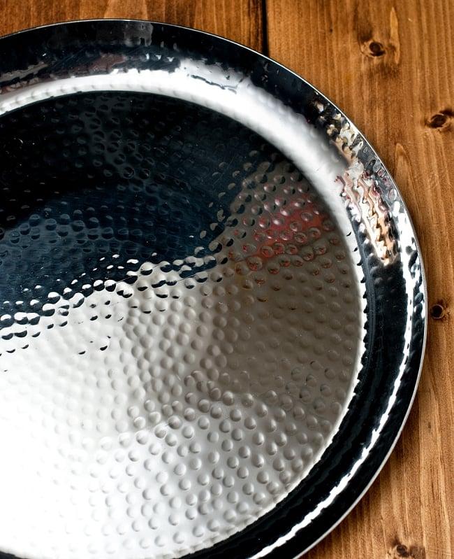 槌目仕上げのラウンドターリー[約27.5cm] 2 - とても綺麗で雰囲気があります