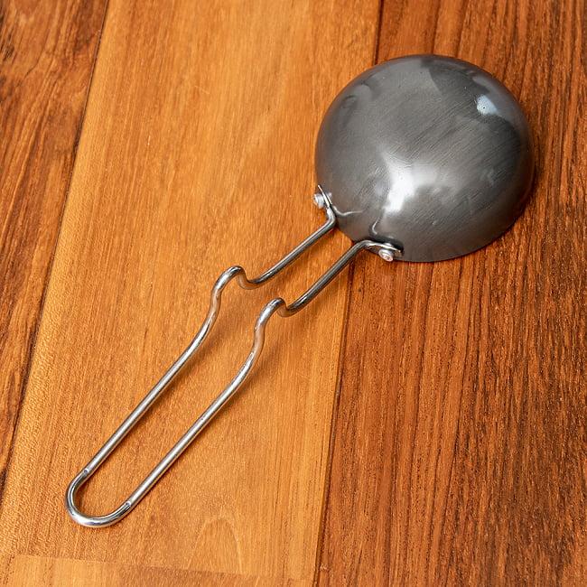 ミニタルカパン - 黒 ノンスティック【約26cm】インド料理でスパイスをテンパリングする調理器具 4 - 裏面の写真です