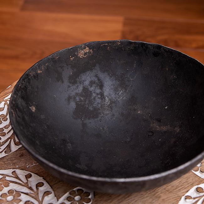 メヘンディボウル ヘナパウダーを混ぜる鉄鍋【約:18cm】 4 - 横からの写真です