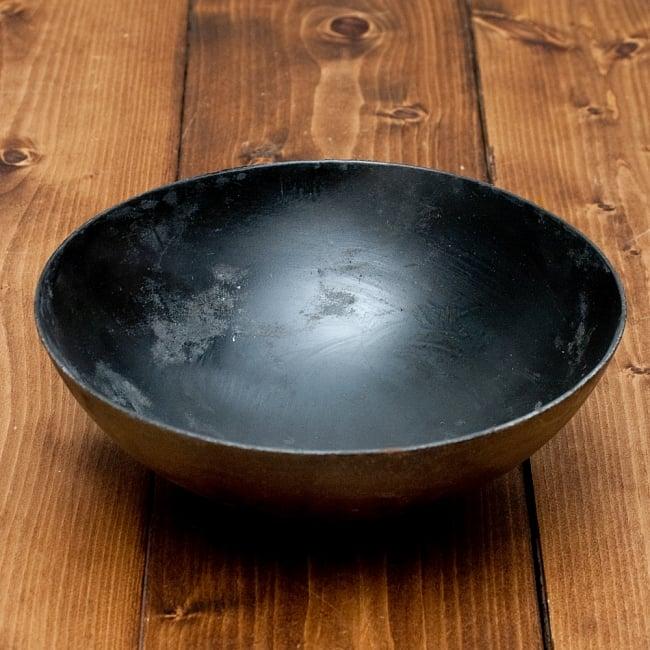 メヘンディボウル ヘナパウダーを混ぜる鉄鍋【約:21cm】の写真2 - 全体写真です
