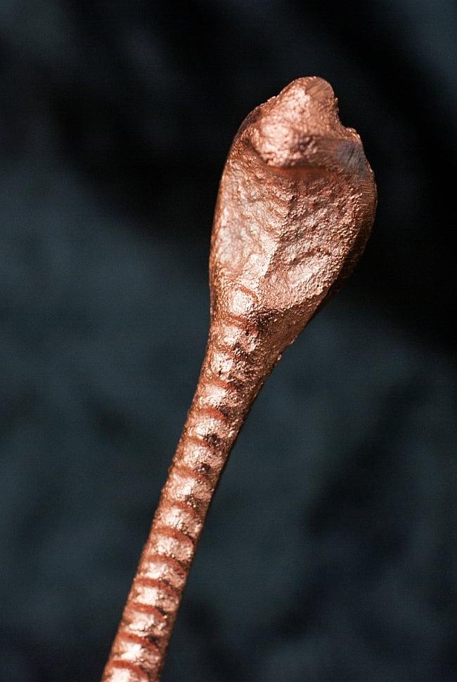 【祭壇用】聖なる蛇モチーフのブラススプーン 2 - 蛇(ナーガ)がモチーフになっています。