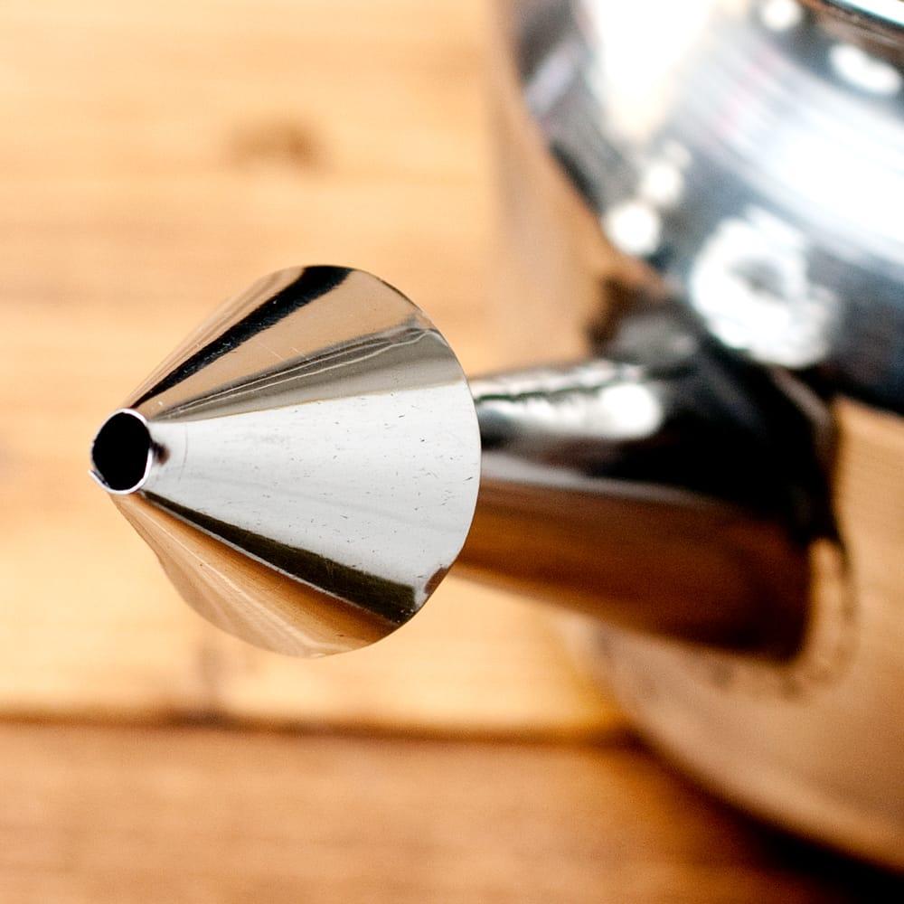 ステンレスのネティポット(鼻水差し)[ 直径:約10.5cm 高さ:10.5cm] 4 - 先端はこのようになっております