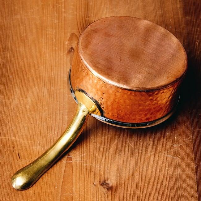 槌目付き 銅装飾のロイヤルソースパン(12.8cm×5.4cm) 7 - 銅はアーユルヴェーダにおいて重視されており、また熱伝導率が優れているとされています。