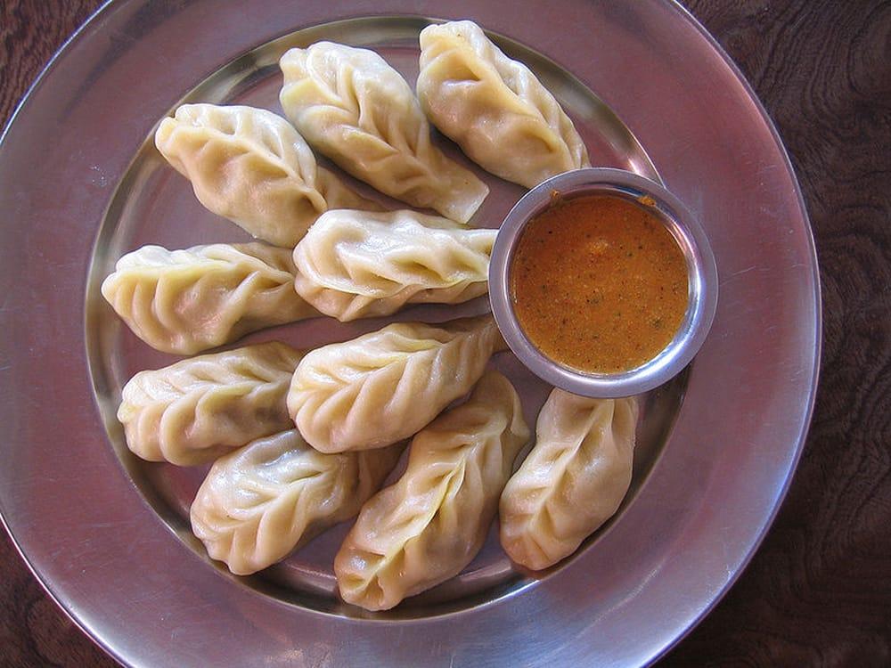 ネパールの餃子モモ用のスチーマー[20cm] 8 - モモとはこの様な料理です