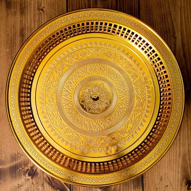 タイのお供え入れ 飾り皿 ゴールドとシルバー〔約31.5cm〕 3 - 上からの写真です