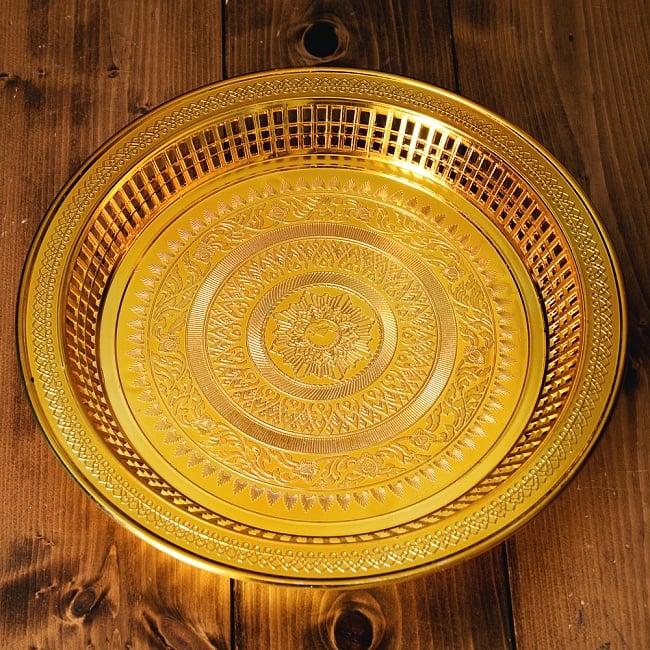 タイのお供え入れ 飾り皿 ゴールドとシルバー〔約31.5cm〕の写真