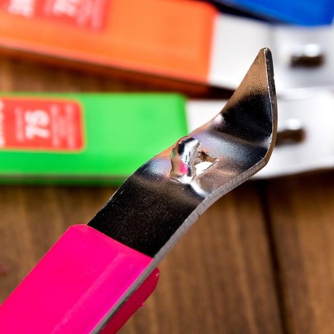 色彩豊かなタイの蛍光色オープナー 缶切り&栓抜き 4 - こちらも栓抜きが