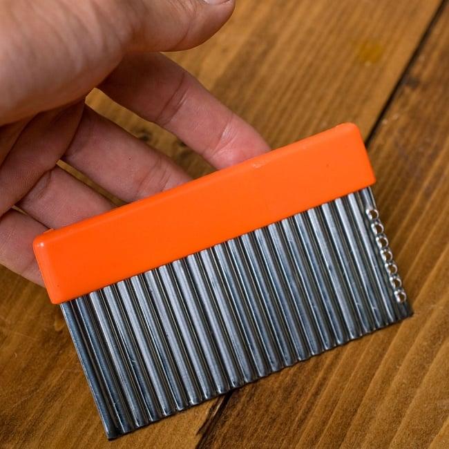 色彩豊かなタイの細切りスライサー付きジグザグカッター 4 - サイズはこんな感じです