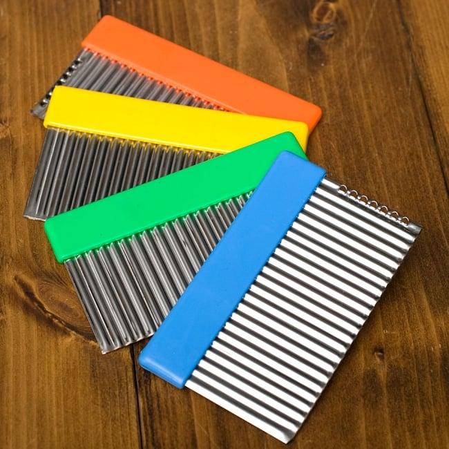 色彩豊かなタイの細切りスライサー付きジグザグカッター 5 - 4色からお選びください