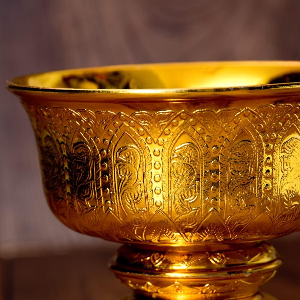 タイのお供え入れ 飾り器 ゴールドとシルバー〔高さ:約16cm 直径:約18cm〕 2 - 拡大写真です