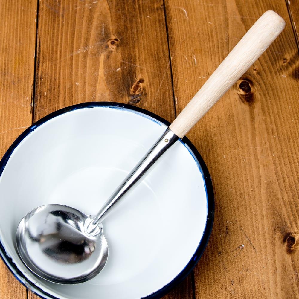 木柄タイのお玉 約50ml 調味料をすくうのに便利の写真