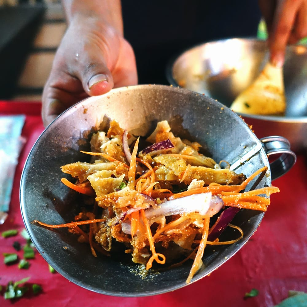 フードトランスポーター タイ料理の惣菜を袋詰めする 大口じょうご・ロート 7 - このように食材を入れるのに便利