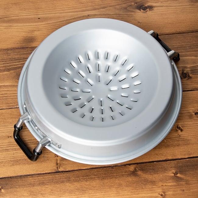 [30cm]ムーガタ - タイの焼き肉しゃぶしゃぶ鍋 8 - 底面を見てみました。カセットコンロなどのうえに載せて使います。