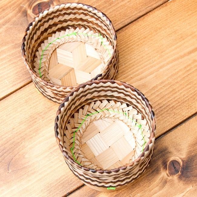 タイの竹製ごはんケース 3 - 中の様子です。職人の技が光りますね!