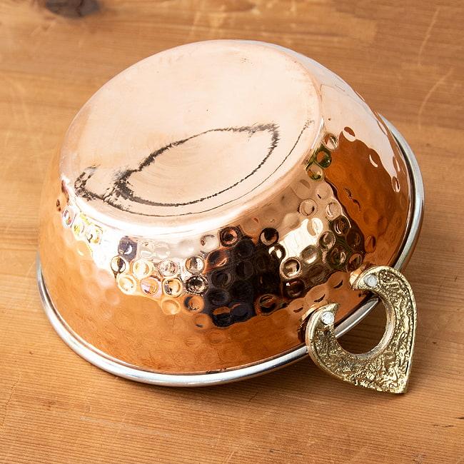 槌目仕上げ 銅装飾のカダイ [装飾持ち手付](直径:約15.3cm) 4 - 持ち手のところはブラスで装飾されています。