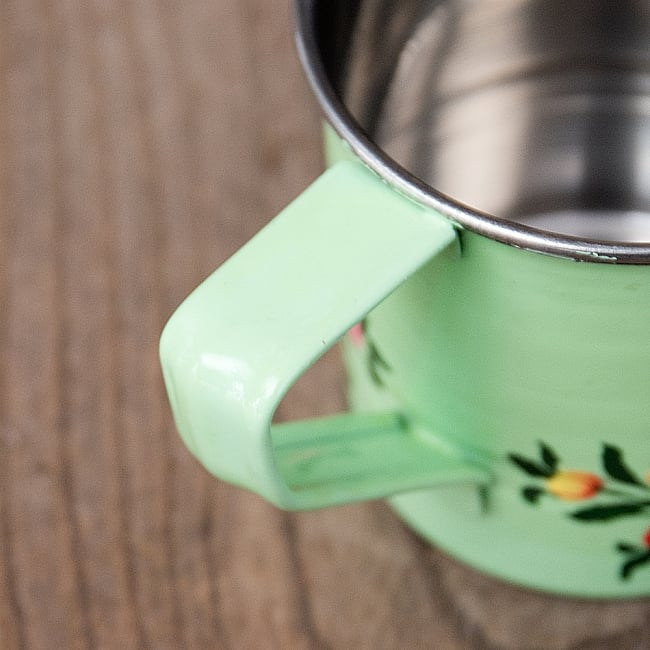 どこか懐かしいレトロテイスト 手描きカシミールペイントのミニマグカップ[直径:6cm x 高さ:5.9cm ] - 小花模様 6 - 手描きのぬくもりがあります
