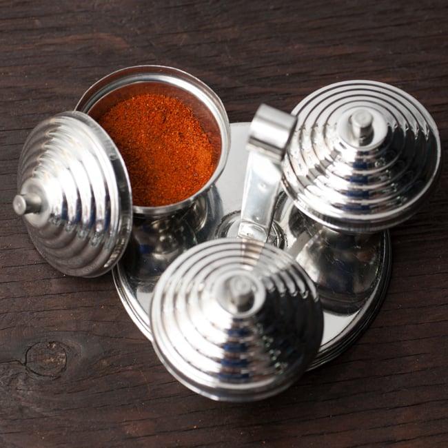 テーブルトップマサラケース【フタつき・3box】 3 - 使い方は色々。塩、チリパウダー、ガラムマサラの組み合わせなどはいかがでしょうか?