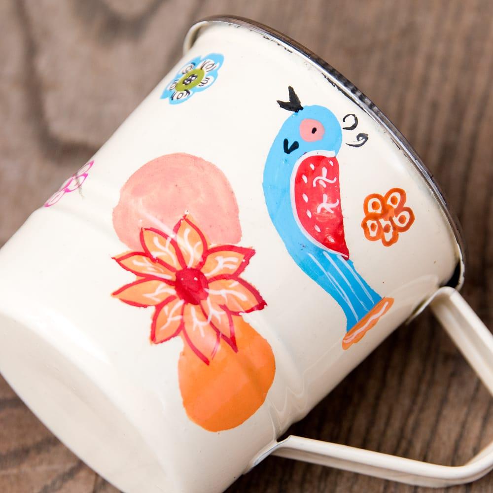 どこか懐かしいレトロテイスト 手描きカシミールペイントのミニマグカップ[直径:6cm x 高さ:5.9cm ] - 小鳥模様 3 - 拡大写真です