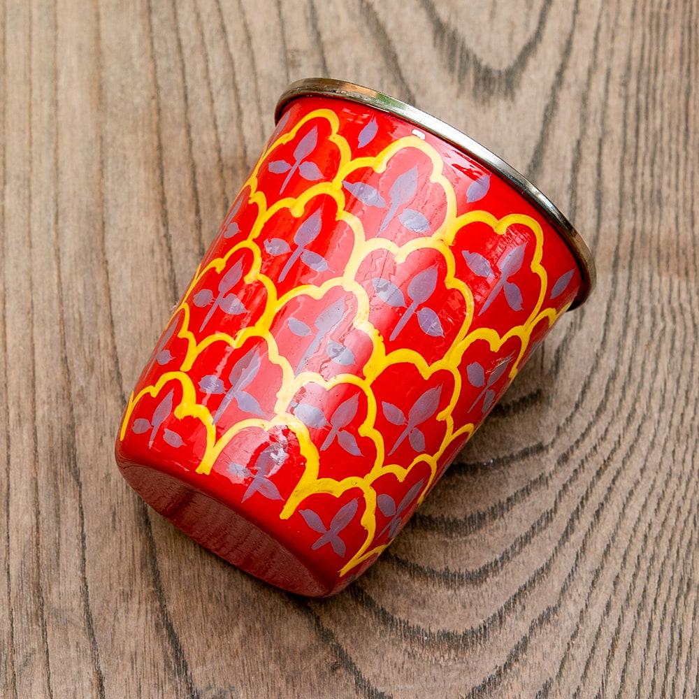 どこか懐かしいレトロテイスト 手描きカシミールペイントのチャイカップ[直径:6.4cm x 高さ:7.5cm ] - 伝統模様 2 - 反対側もキレイにペイントされています