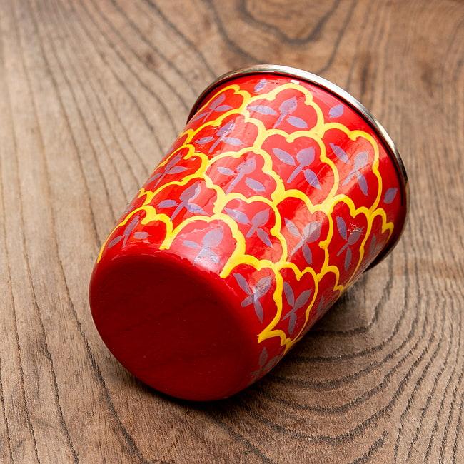 どこか懐かしいレトロテイスト 手描きカシミールペイントのチャイカップ[直径:6.4cm x 高さ:7.5cm ] - 伝統模様 3 - 拡大写真です