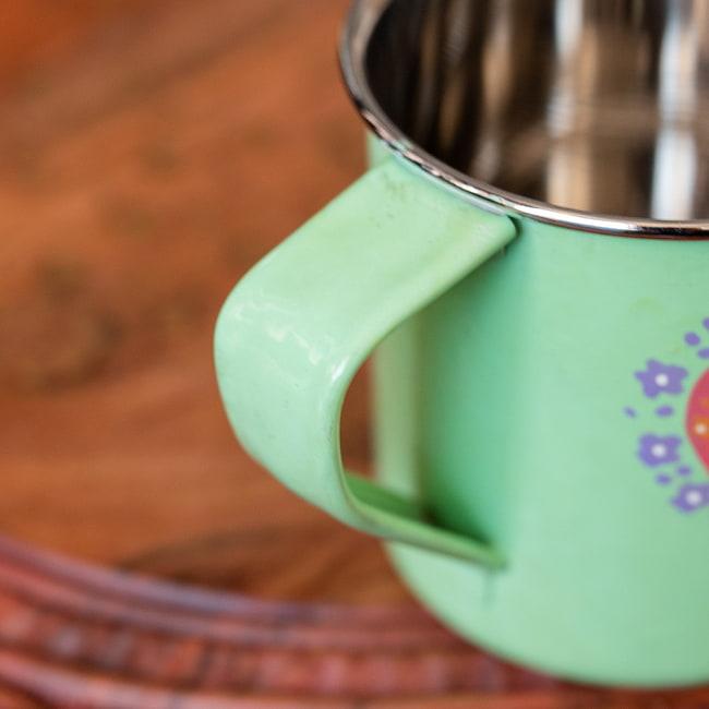 どこか懐かしいレトロテイスト 手描きカシミールペイントのマグカップ[直径:8cm x 高さ:7.6cm ] - グリーンペイズリー 6 - 手描きのぬくもりがあります