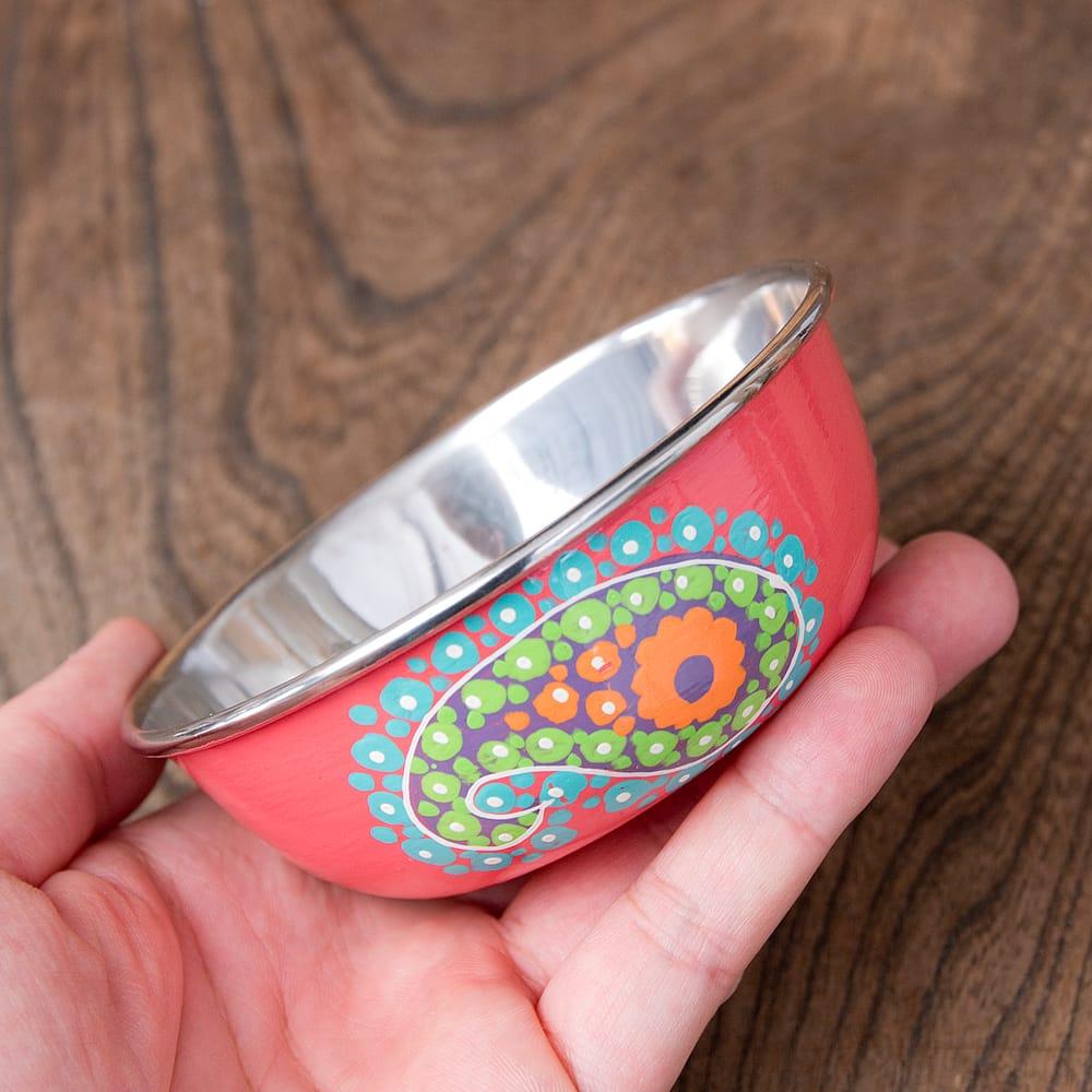 手描きカシミールペイントのカトリ・カレー小皿[直径:10cm x 高さ:3.5cm ] - ピンクペイズリー 7 - このくらいのサイズ感になります