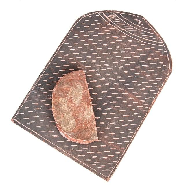 インド伝統の石製マサラ潰し 2 - 大きな石版と小さな石のセットになっています。