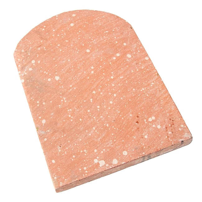 インド伝統の石製マサラ潰し 8 - 裏面の様子です。