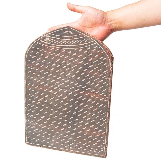 インド伝統の石製マサラ潰し 9 - どっしりと安定感があります。