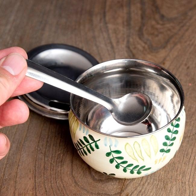 手描きカシミールペイントの壺型卓上シュガーポット ギーポット〔約8.5cm〕 - シダ模様 8 - 砂糖や塩、ギーなどさまざまな調味料を入れておけます。