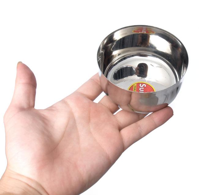 カレー小皿(約8.3cm×約4.5cm)の写真5 - 大きさのご参考に、手にもってみました。