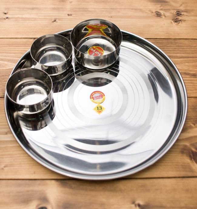 カレー大皿 [約32.5cm]-重ね収納ができるタイプ 3 - つややかなステンレス製です。