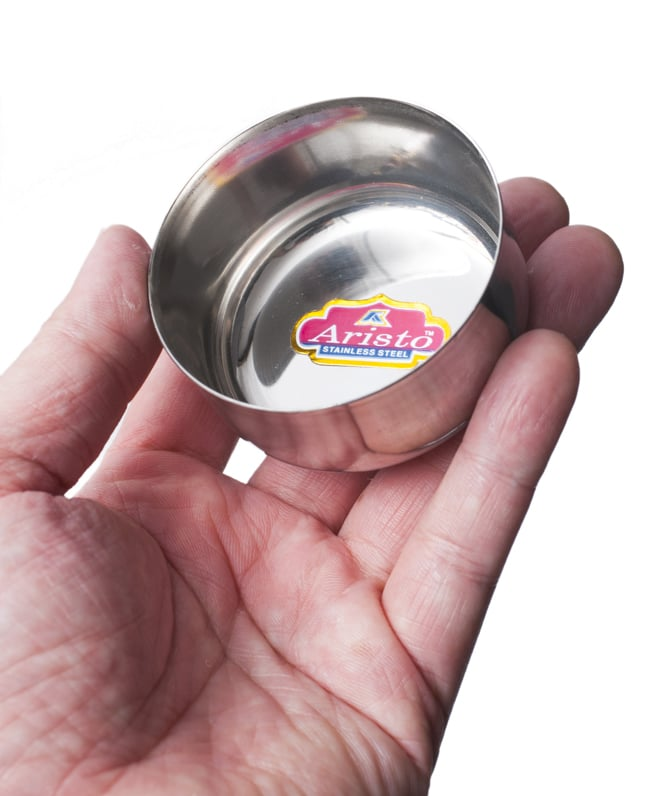 カレー小皿(約6.1cm×約2.9cm)小サイズ ラッサムボウルの写真5 - サイズ比較のために手に乗せてみました