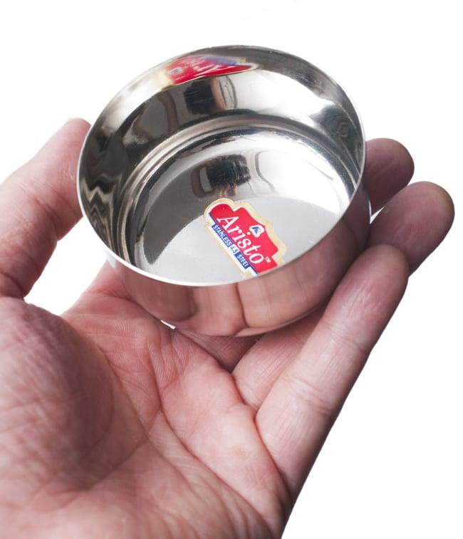 カレー小皿(約6.9cm×約3.3cm)小サイズ ライタカトリの写真5 - サイズ比較のために手に乗せてみました
