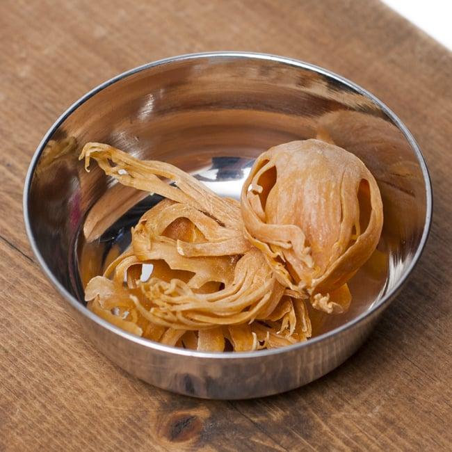 重ねられるカレー小皿 アチャールカトリ(約6.5cm×約2.3cm) 4 - スパイスを入れてみました。