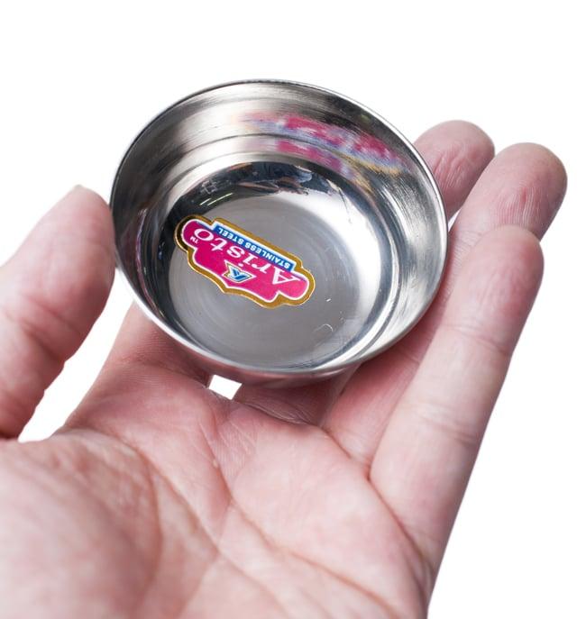 重ねられるカレー小皿 アチャールカトリ(約6.5cm×約2.3cm) 5 - 手に取るとこれくらいの大きさです。