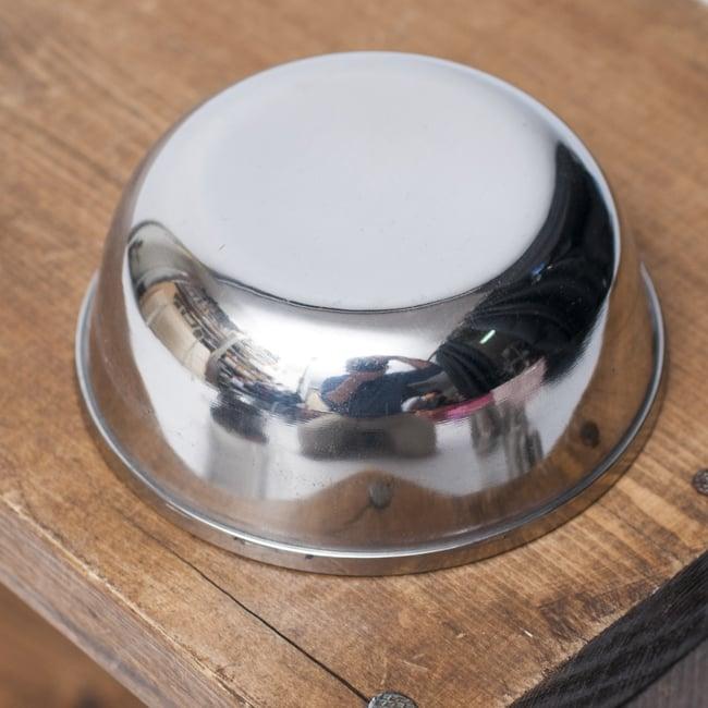 重ねられるカレー小皿 サブジカトリ(約7.8cm×約3cm) 3 - 裏面の様子です。