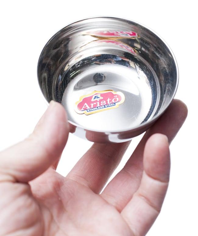 重ねられるカレー小皿 サブジカトリ(約7.8cm×約3cm)の写真5 - 手に取るとこれくらいの大きさです。