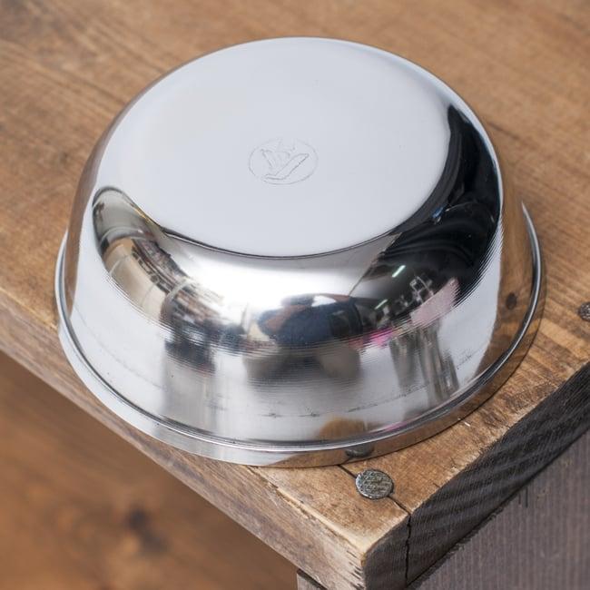 重ねられるカレー小皿 ダールカトリ(約9cm×約3.3cm)の写真3 - 裏面の様子です。