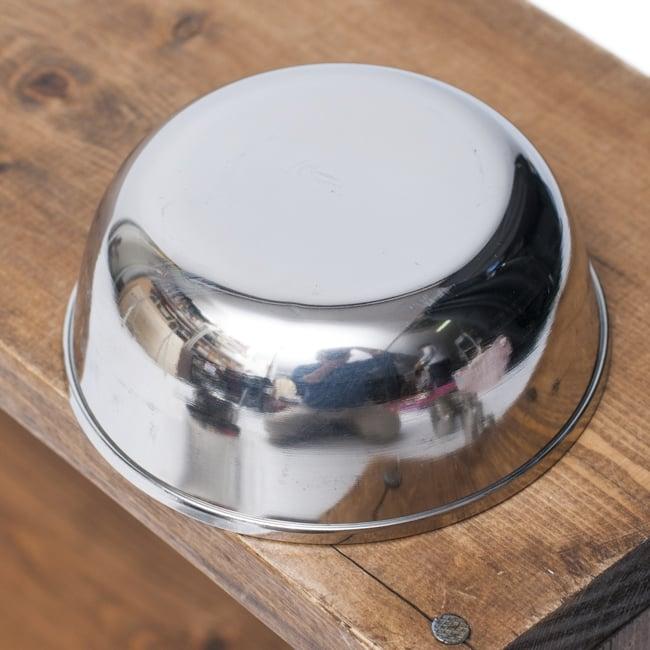 重ねられるカレー小皿 マサラカトリ(約9.7cm×約4cm)の写真3 - 裏面の様子です。
