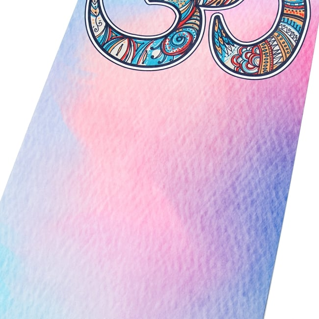 (天然ゴム)高品質エスニックヨガマット4mm - OMシンボル 6 - 中心の写真です