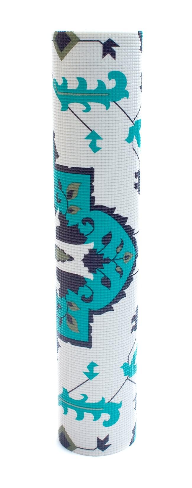 エスニック柄 ヨガマット(6mm) - ターコイズ 6 - 丸めてお部屋に置いておいても嬉しくなってしまう可愛さです!