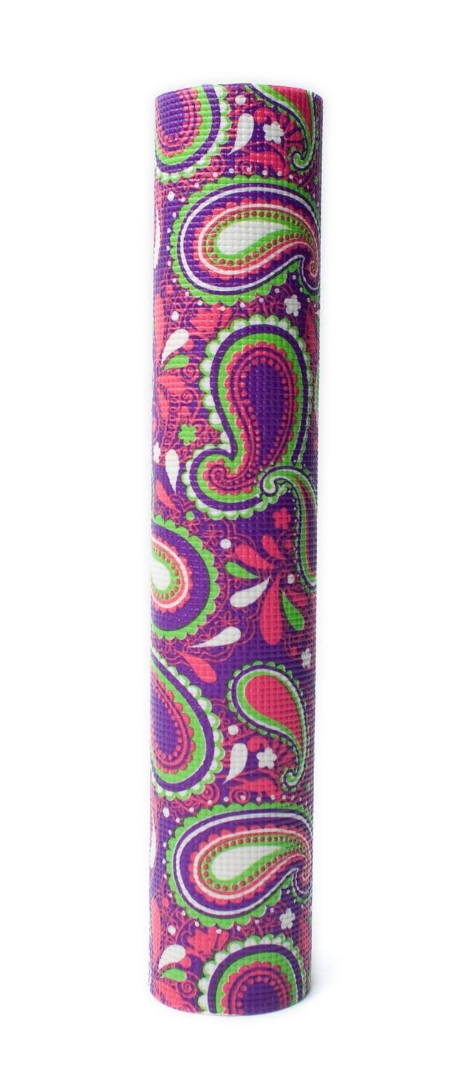 エスニック インド ペイズリー柄ヨガマット(6mm) - パープル 6 - 丸めてお部屋に置いておいても嬉しくなってしまう可愛さです!