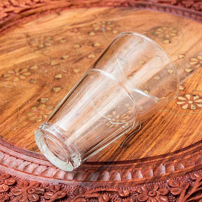 インドのチャイカップ[高さ9.5cm程度 直径6cm程度] 3 - サイズ感をがわかるように手で持ってみました