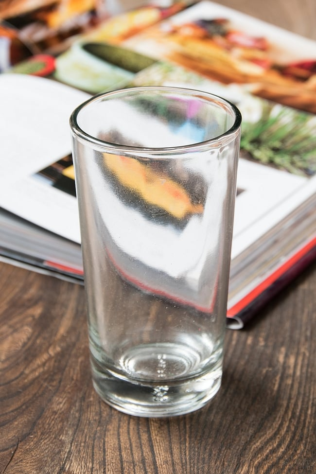 インドのチャイカップ[高さ:約12cm 直径:約6.5cm  容量:約210ml]の写真